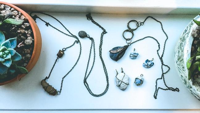 DIY stone necklaces