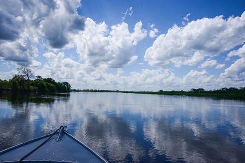 Tarde de pesca esportiva no rio Paraguai