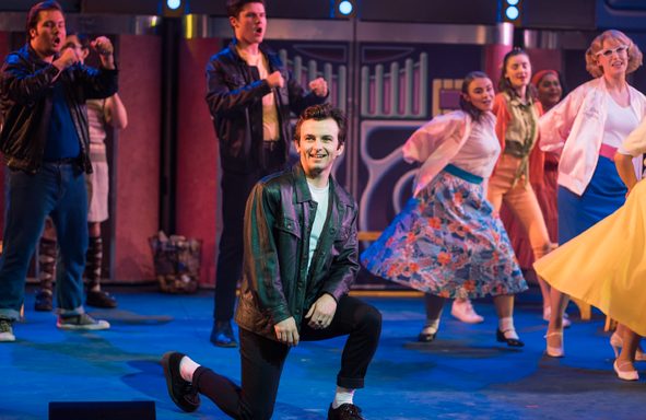 About-Adult-Gallery-Grease-07.png