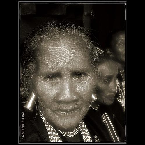 Old Women -Vieilles Femmes