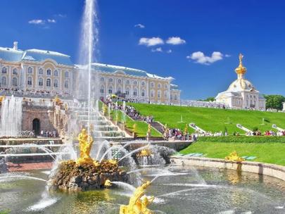 Санкт-Петербург открылся для туристов. Правила посещения