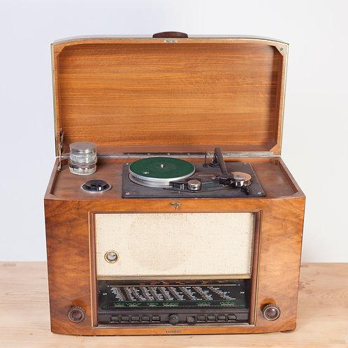 #211 / Universal-Rundfunkempfänger mit Plattenspieler und Magnet-Drahtton-Gerät
