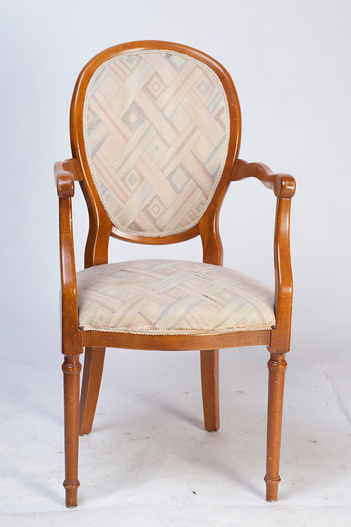 #221 / Stuhl mit Armlehnen, Massivholz gepolster