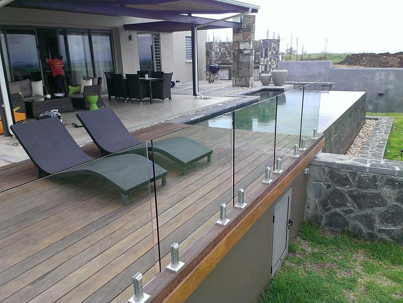 Frameless-Glass-Balcony-Systems-Deck.jpg