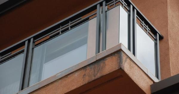 Dark-Bronze-Anodized-Aluminum-Glass-Rail