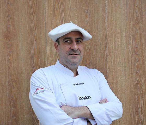 Chef Oskar Urzelai.JPG