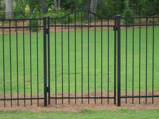 gate 3.jpg