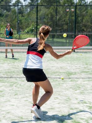 padel-tennisspielerin.jpeg