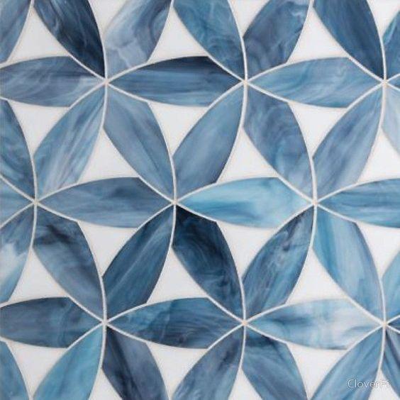мозаика цветы синие на белом фоне