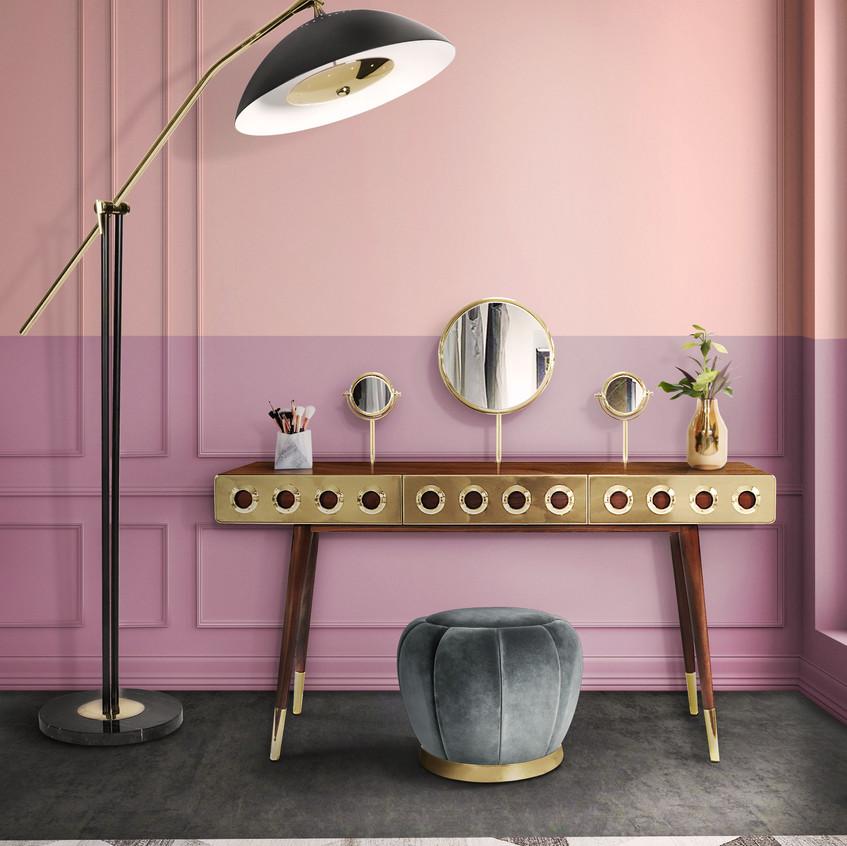 розовый туалетный столик