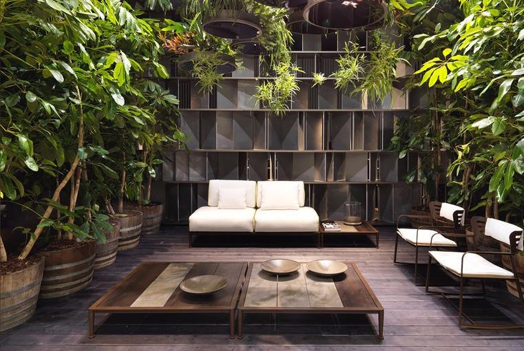 Тропические мотивы листья пальмы в интерьере