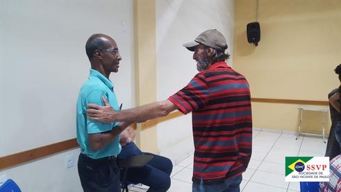 Beneficiários do Projeto Transformando Vidas participam de oficina