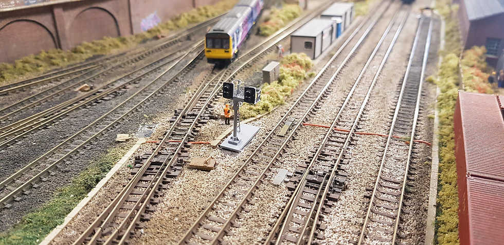 N Gauge 2 Aspect Twin Junction Dummy Signal (Non Working)