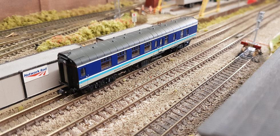 Farish 374-194 Mk1 BSK Coach Brake Second Corridor BR Regional Railways