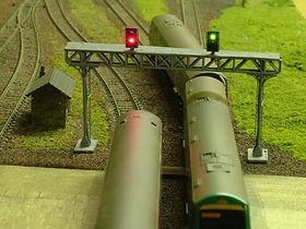 N Gauge Gantry Signals