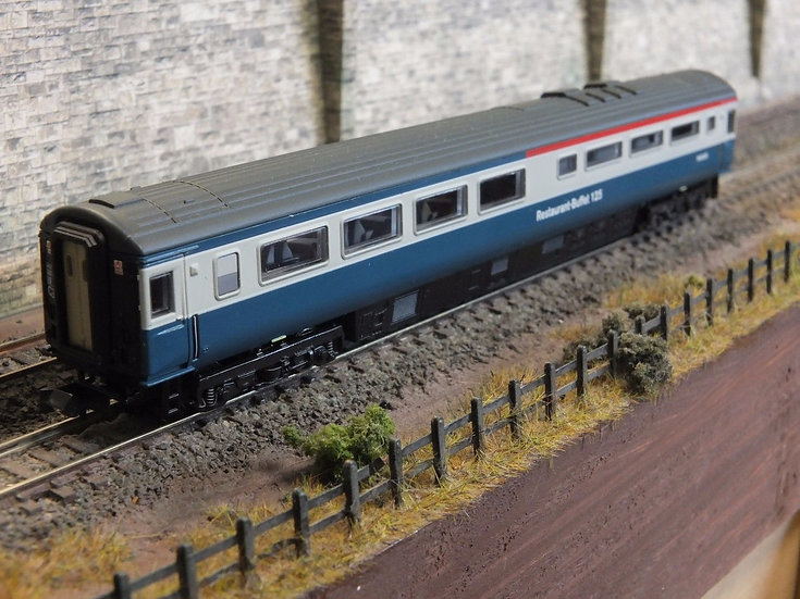 Dapol 2P-005-012 Mk3 buffet W40435 in BR blue and grey with Intercity 125 brand