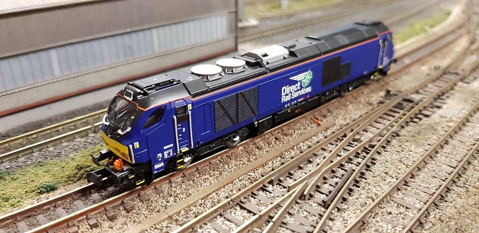 2D-022-010S Dapol N Gauge Class 68 026 DRS Plain Blue Locomotive