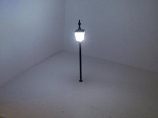 N Gauge Period Single White Gas Light