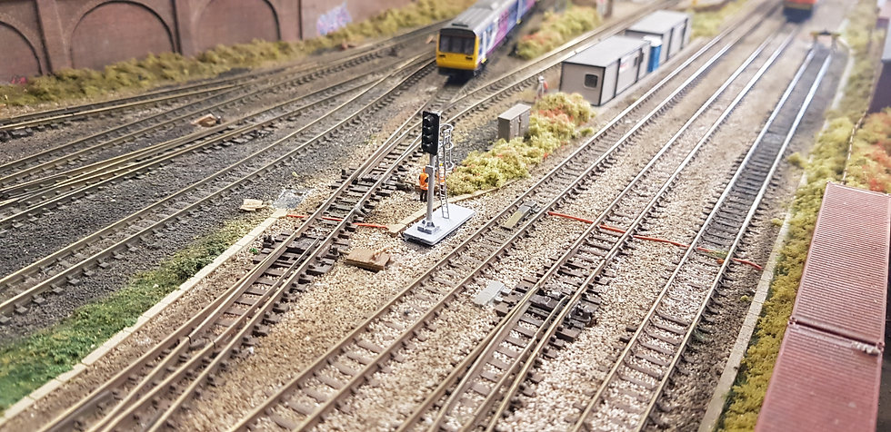 N Gauge 4 Aspect With Cage Dummy Signal (Non Working)