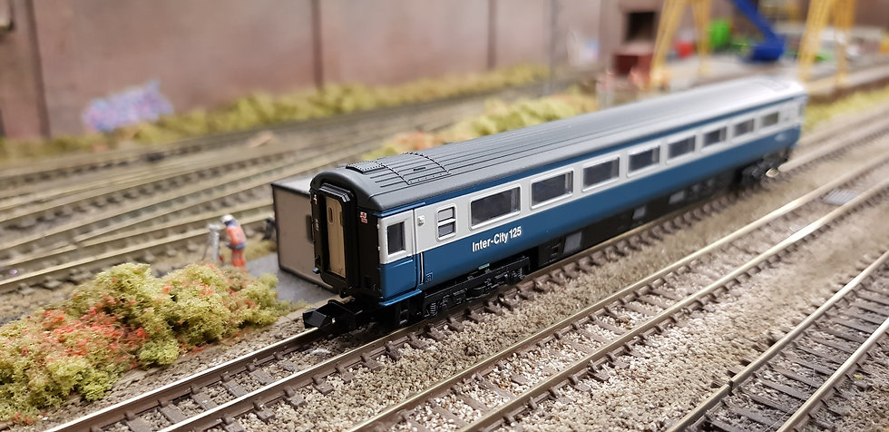 Dapol 2P-005-040 Mk3 TSO second open W42014 in BR blue and grey with Intercity