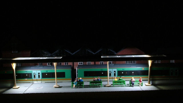N Gauge Kestrel KD11 Canopy with White LED Lights