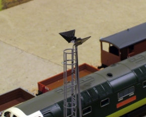 OO Gauge Modern Double Yellow Yard Light