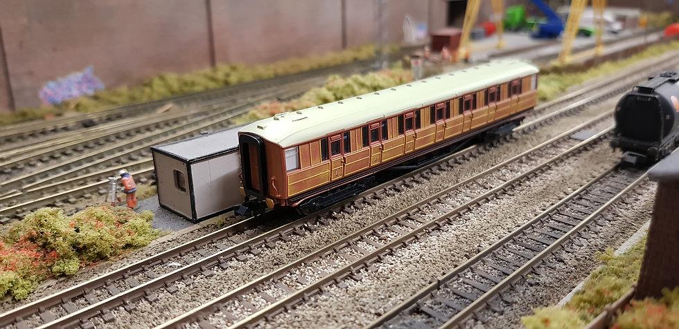Dapol 2P-011-104 Gresley teak First Class 31865