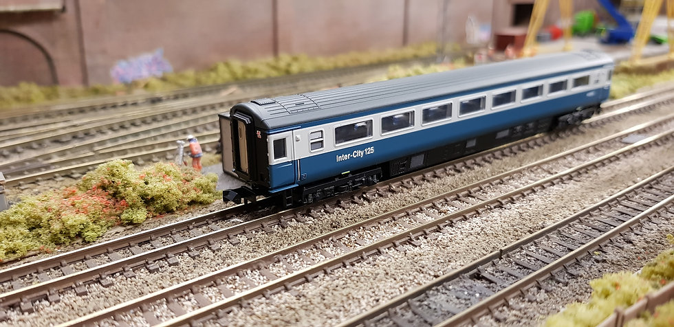 Dapol 2P-005-039 Mk3 TSO second open W42012 in BR blue and grey with Intercity