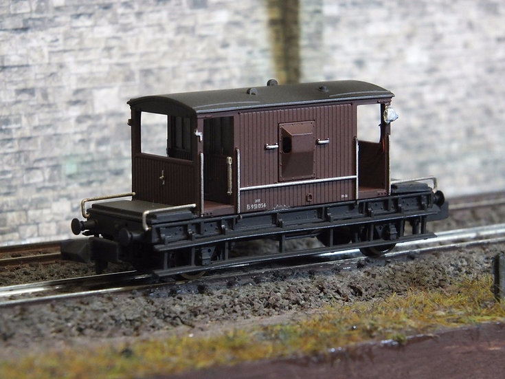 Farish 377-525E 20T Brake Van BR Bauxite Early Weathered