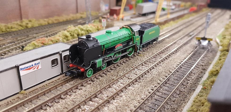 Dapol 2S-002-00 Schools Malvern 929 SR Malachite Lined Green