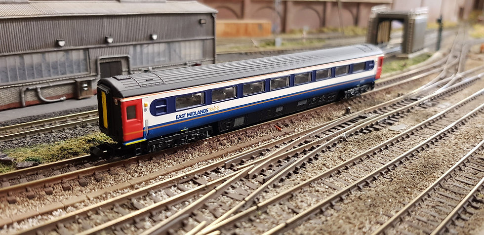Dapol 2P-005-850 Mk3 TSO second open 42111 in East Midlands Trains livery