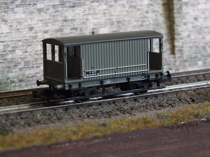 Farish 377-752 Midland 20T Brake Van BR Grey