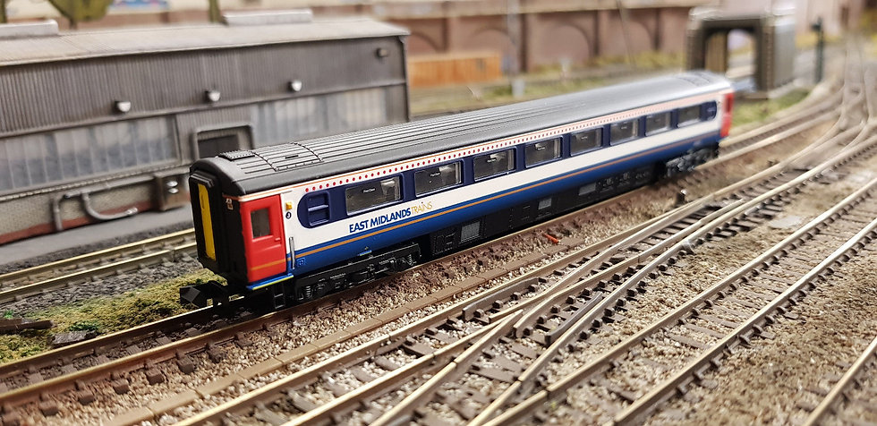Dapol 2P-005-860 Mk3 TFO first open 41057 in East Midlands Trains livery