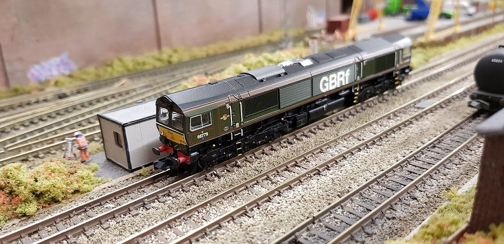 Farish 371-398 Class 66 GBRF Evening Star