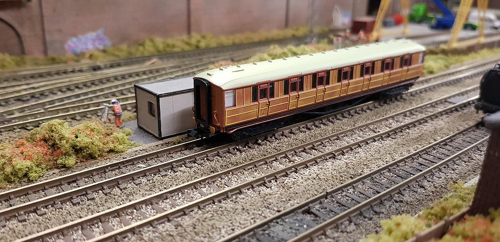 Dapol 2P-011-105 Gresley teak First Class 31837