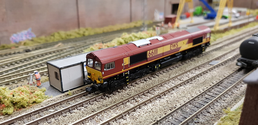 Farish 371-384A Class 66 66111 in EWS livery