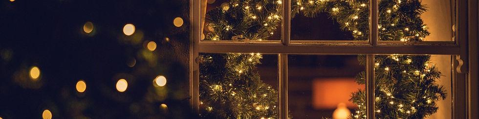 Holiday%20Decorations%205_edited.jpg