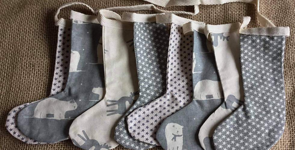 Stocking bunting in grey and Winter white (007)