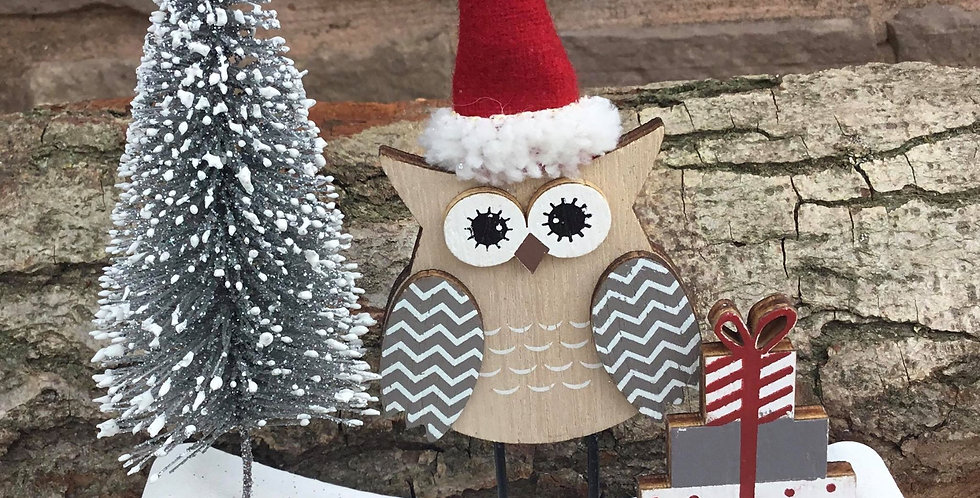 Christmas Owl with Tree and Presents