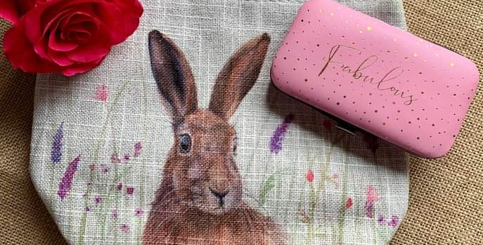 Pretty Hare Linen Cosmetic Bag and  Manicure Set