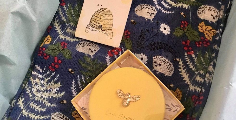 Gift Set of Hedgehog Scarf, Compact and Heart