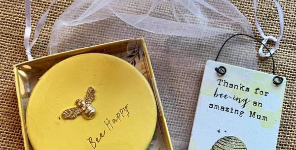 Bee Compact and mini sign gift set