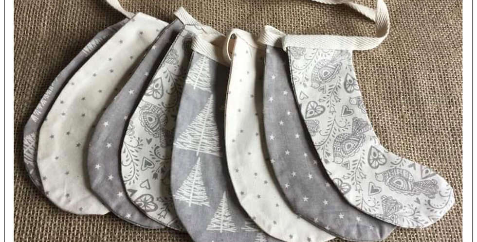 Stocking bunting in grey and Winter white (004)