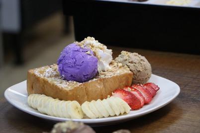 Cates Ice Cream6.JPG