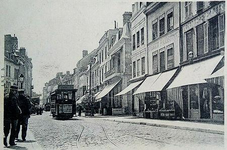 LE CAFE DE LA PAIX DE TROYES EN 1903.jpg