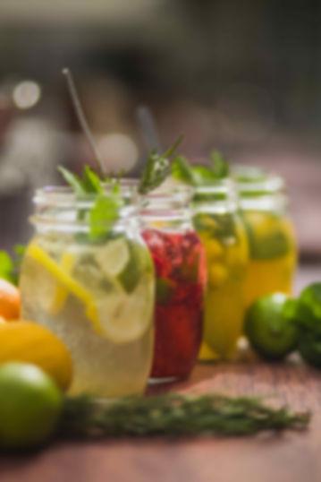 Fruchtdesserts im Glas