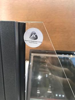 קריסטל דום - מודבק על זכוכית