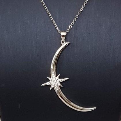שרשרת ירח גדול עם כוכב מנצנץ