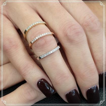 טבעת יהלומים שורה - משובצת 0.11 קראט