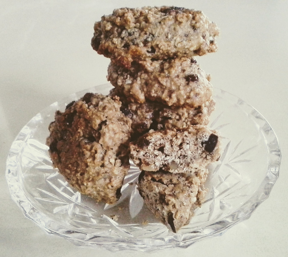 Whole grain banana chocolate raisin walnut cookies
